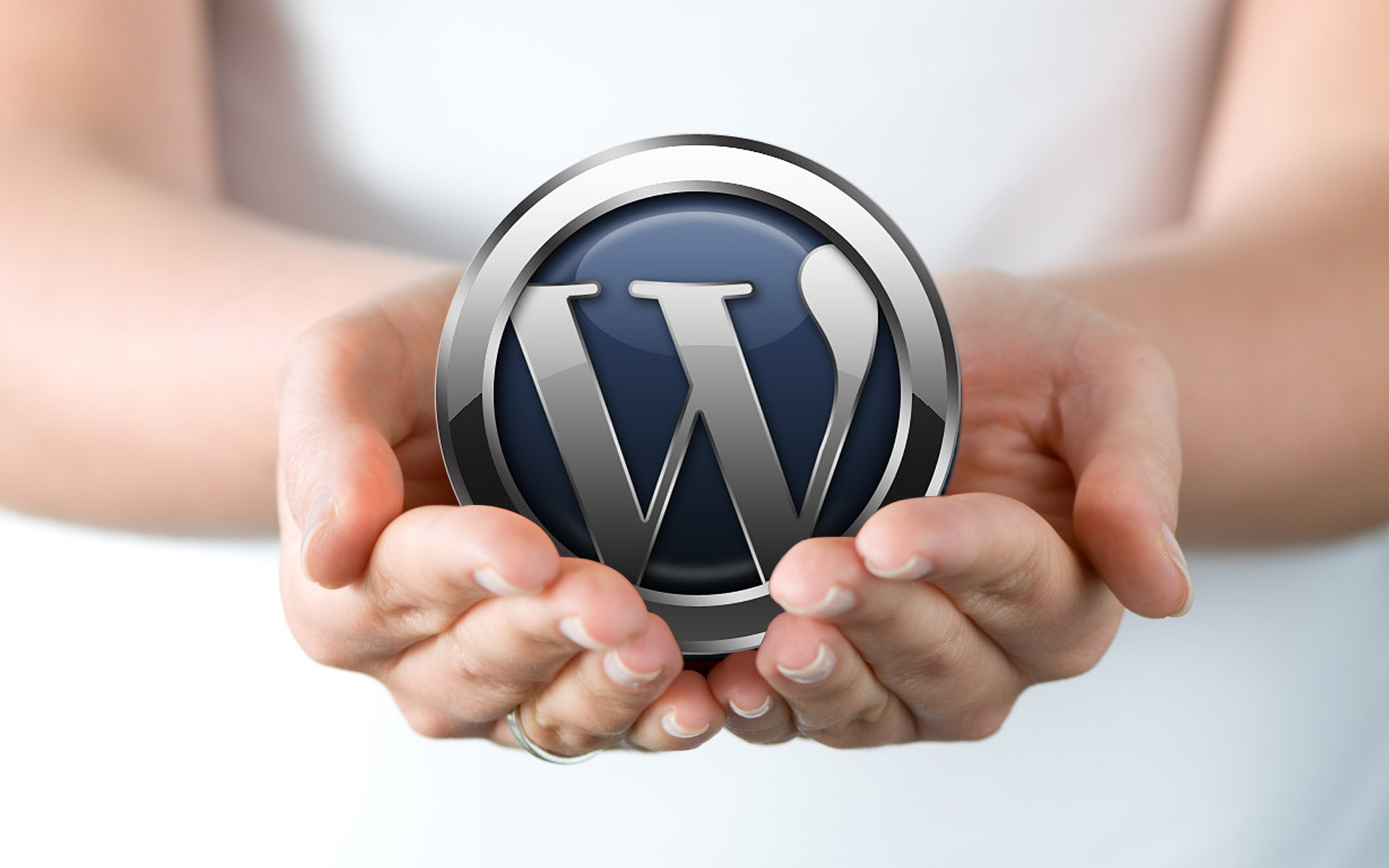 Course image wordpress in hands